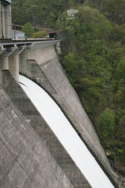 2009年5月5日藤原ダム放流