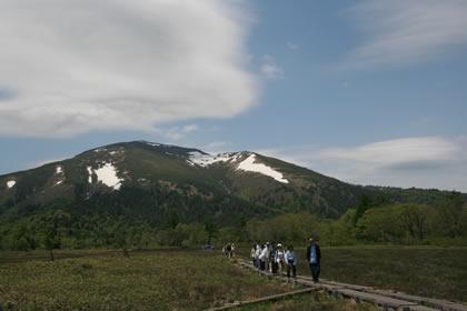 2008年6月13日尾瀬ヶ原から至仏山を撮影
