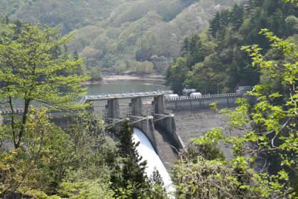 2009年5月須田貝ダム放流