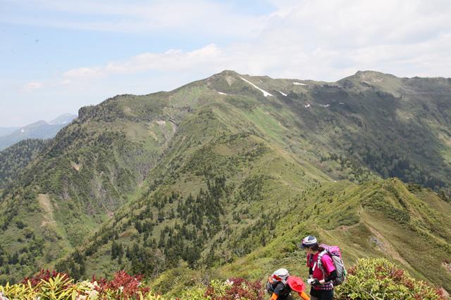 剣ヶ峰山から見た武尊山